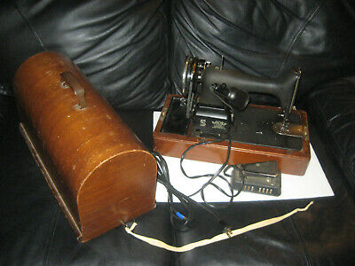 VINTAGE Singer Featherweight Model 99 Sewing Machine in Wooden Box Case AG398098