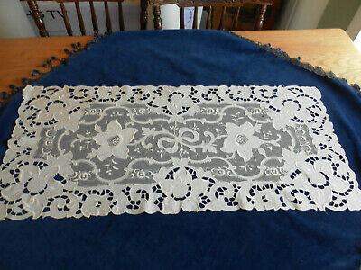 Gorgeous Foral Lace Cutwork Satin Stitch Embroidery On Net Runner Ornate