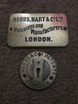 Hobbs Hart Safe Plaque With Key Hole Cover