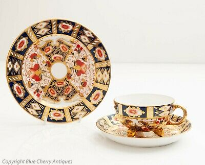 Antique Davenport China Imari Pattern Tri Footed Teacup Saucer & Plate Trio
