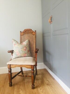 Lovely antique 1920s french louis XV style fauteuil armchair. French upholstered