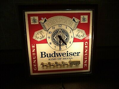Vintage 1983 Budweiser Lighted Wall Clock Beer Sign With Clydesdale's~Union Made