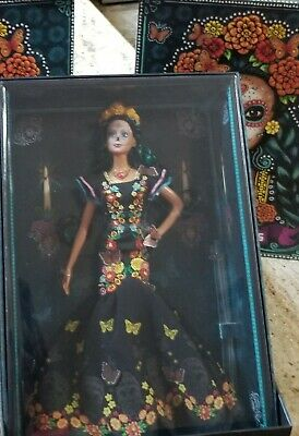BARBIES: Frida Kahlo & Dia De Muertos Doll- Day of The Dead Barbie BNIB IN HAND!