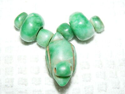 Rare Pre-Columbian Bright Green 7 Piece Lot Jade Figural Duck and Beads
