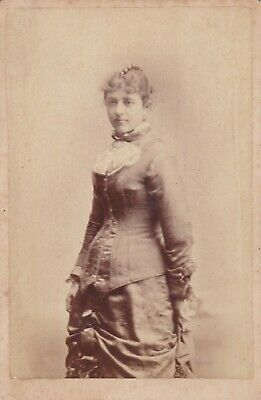 Cabinet Card C.w. Photographer Great Ad,Buffalo,N.y.victorian Lady Beaded Comb