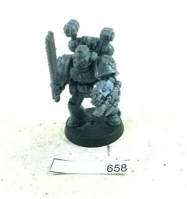 Warhammer 40k Space Marines Apothecary 658