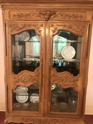 Century Breakfront China Cabinet Light Brown Wood 4 Glass Shelves