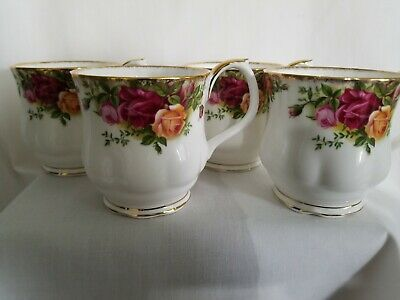 """Royal Albert Bone China Tea Cups """"Old Country Rose"""" Pattern Set Of 4 Cups"""