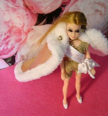 Topper Dawn VINTAGE BEAUTY PAGEANT DOLL WITH HARD LEGS WITH CUSTOM OUTFIT