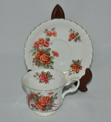 "Beautiful Vintage Royal Albert ""Centennial Rose"" Bone China Teacup & Saucer"