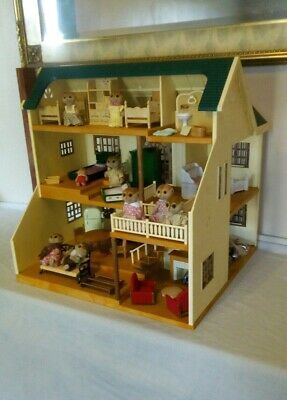 Sylvanian Families House On The Hill, Furnished Plus Figures Bundle