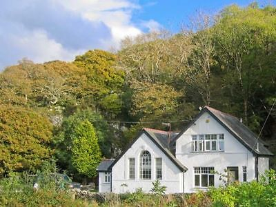 OFFER 2019: Holiday Cottage, North Wales, Sleeps 10 - Mon 9th DEC for 4 nights