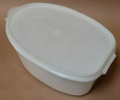 Vintage Retro Large Tupperware Poultry Container With Lift-Out Section