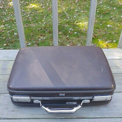 """VTG American Tourister Hard Shell Briefcase Luggage 18"""" x 13"""" x 5"""" Brown No Key"""