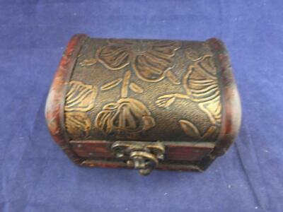 Wooden Gift or Trinket Box with a Bronze Coloured Petal Design.