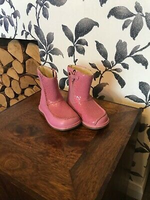 clarks girls baby pink leather winter boots size 4G hardly worn