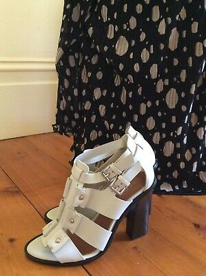Brand New Saba Womens Wooden Stacked Heels / Shoes -Size 39 Rrp $ 249.00