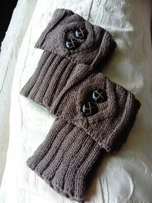 Bootcuffs, light brown, cable pattern with buttons-winter-fashion-ladies
