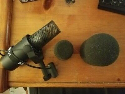 Shure SM7B Radio TV Dynamic Vocal Microphone SM7 Great Condition