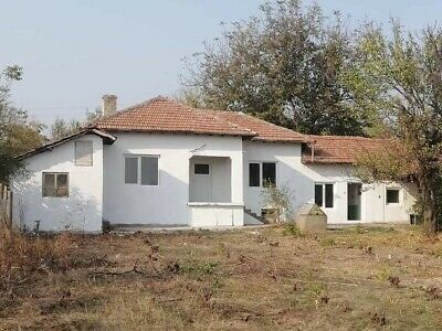 Bulgarian Bargain Ready To Move In To Superb 3 Bed Split Level Bungalow £10,999