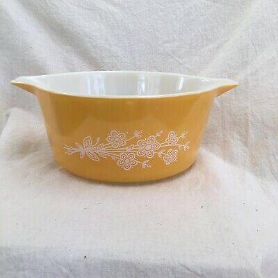 Pyrex Casserole Bowl - Butterfly Gold - White Floral - #474-B - EUC