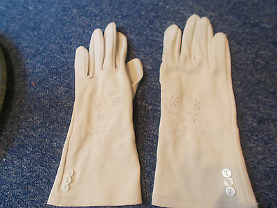 Vintage Beige silky nylon ladies embroidered flowers buttons glove size S or 6.5