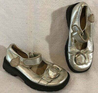 Girls Step2 Silver Leather Lovely Shoes Size 24 (220Q)