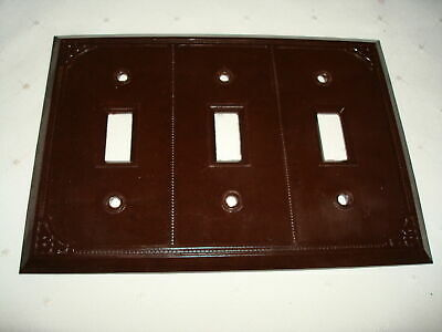 Vintage Smith & Stone Bakelite 3 Gang Brown Ribbed Toggle Wall Plate Nos 303