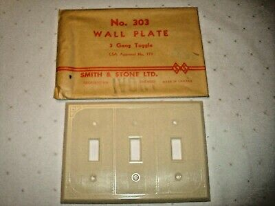 2 Vintage Smith & Stone Bakelite 3 Gang Ivory Ribbed Toggle Wall Plate Nos 303