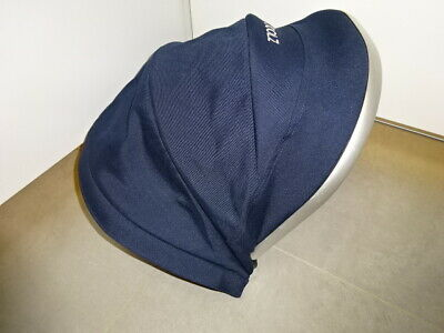~~~JOOLZ Day Earth CARRYCOT Bassinet with mattress apron  in Navy Parrot Blue~~~