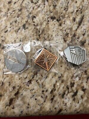 Disneyland Galaxy's Edge  Star Wars Savi's Lightsaber Pins