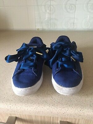 Womens /girls Puma Trainers Size 3.5