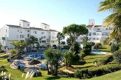 3 bed Apartment - Fuengirola Costa del Sol - 1 Double and 2 Twins