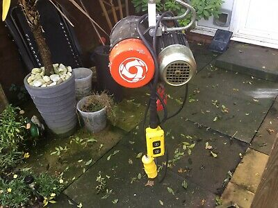 110v hoist Good condition works perfectly Collection only