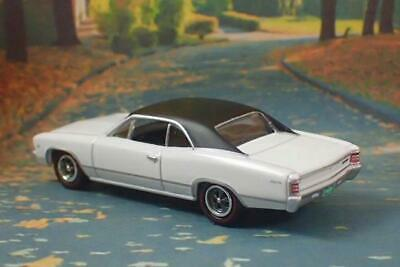 1967 67 Chevrolet Chevelle Malibu V-8 Muscle Car 1/64 Scale Limited Edition W