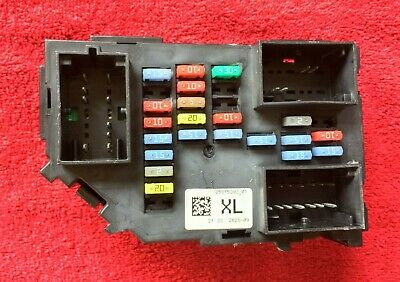 GM Chevy 2007-2011 Silverado 2500HD Fuse Relay Junction Block Box 25815393