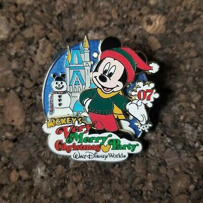 Disney WDW Mickey's Very Merry Christmas Party MVMCP 2007 Passholder LE Pin
