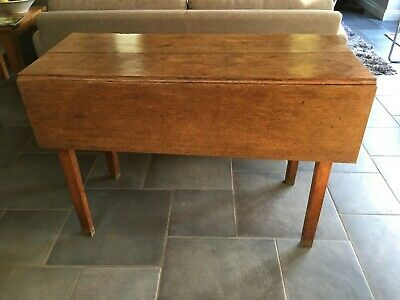 Antique Georgian gateleg, drop leaf table. Oak. Minimalist design.