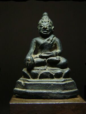 ANTIQUE BRONZE MEDITATING CHIENGSAEN BUDDHA AMULET, LANNA. STUPA RELIC 17/18th C