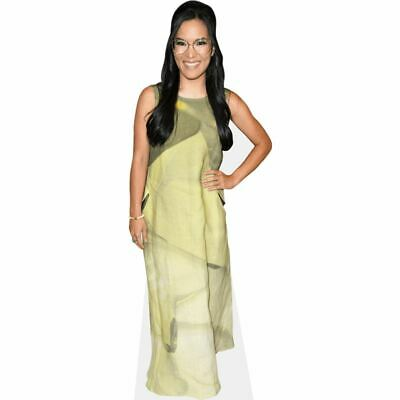 Ali Wong (Green Dress) tamano natural