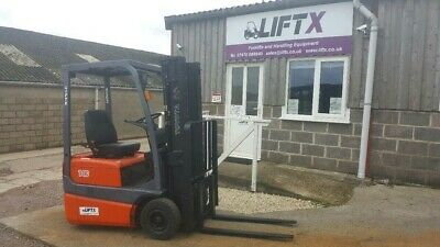 Toyota FBESF10 3 Wheel Electric Forklift 1000 kgs capacity 4.3 m triple mast