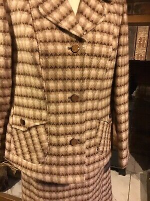"Ladies Vintage Tweed Suit. 40"" Bust, Good Condition."