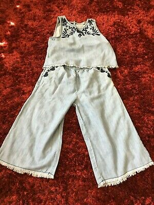 Matalan chambray two piece set 3/4 length trousers age 9 years