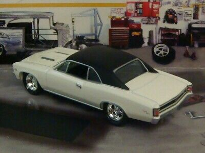 1967 Chevy Chevelle SS V-8 Super Sport Muscle Car 1/64 Scale Limited Edition K