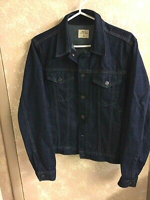 CLASSIC NWT GAP- Gap For Good Dark Denim Jacket Size Small