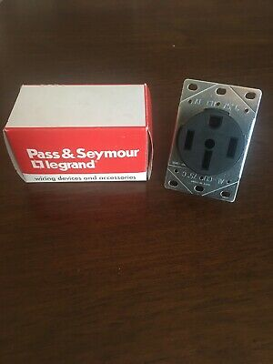 Pass & Seymour Legrand 3894 Range Receptacle Flush Mount 50A 125/250V 3P 4W