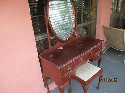 Dressing Table, Queen Anne Style