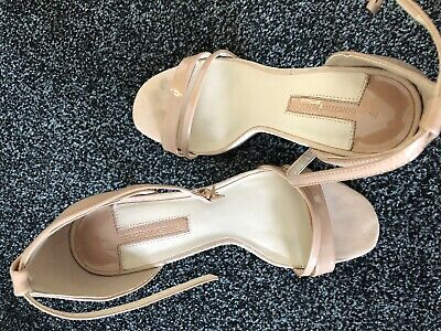 ladies nude sandals size 7, Excellent Condition