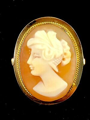 Lovely 14K Solid Yellow Gold Victorian Style Carved Shell Cameo Ring Size 6.5
