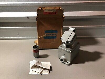 New In Box Crouse Hinds Receptacle Enr11201 W/ Enp5201 Plug